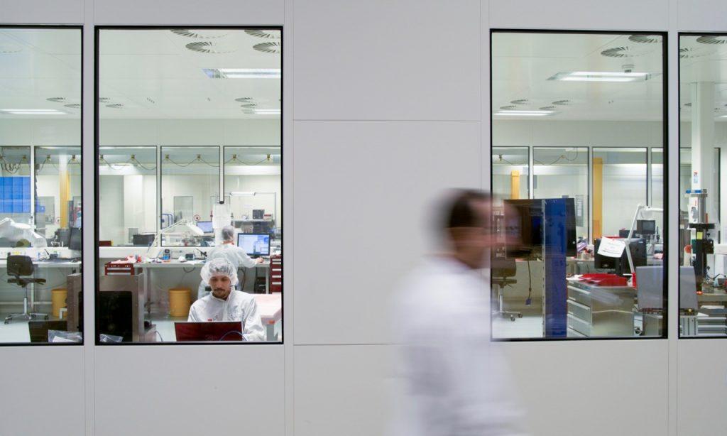 Das Herzstück von IDE ist der riesige Reinraumbereich, der genau genommen aus mehreren Räumen besteht.