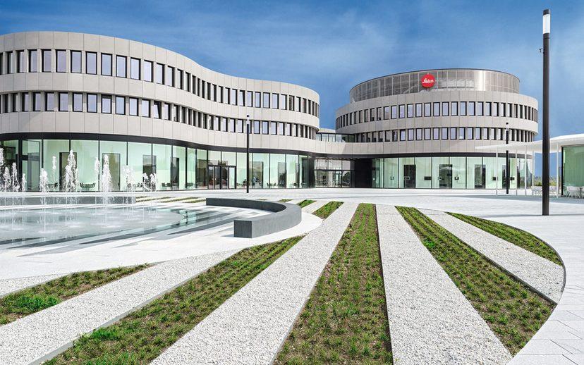 Das neue Optikzentrum in Wetzlar verfügt über Büros, Hörsäle und Konferenzräume. Aktuell wird zusätzlich ein Optiklabor eingerichtet.